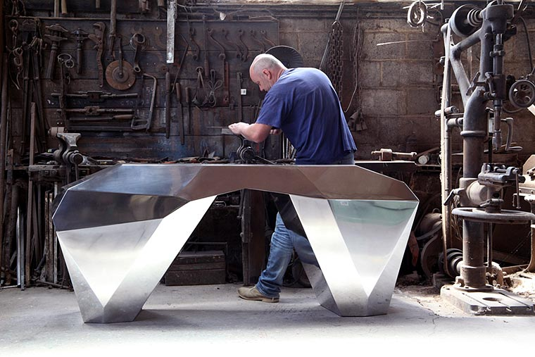 atelier blard creations avec console à facettess aluminium Creation Jean-Michel BLIARD